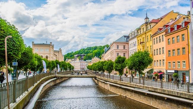 Město Karlovy Vary | © Liptoncnx | Dreamstime.com